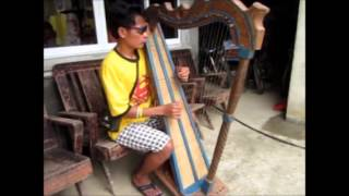 A Blind Man Plays Harp Like a PRO MP3