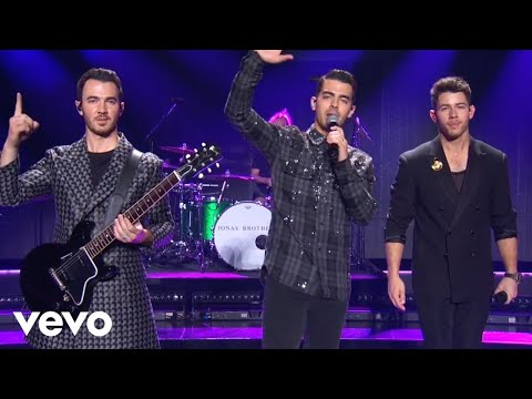 Jonas Brothers - Only Human (Live At The 2019 American Music Awards)