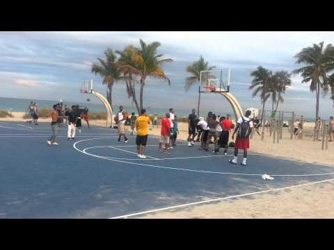 Street Basketball Fort Lauderdale beach !
