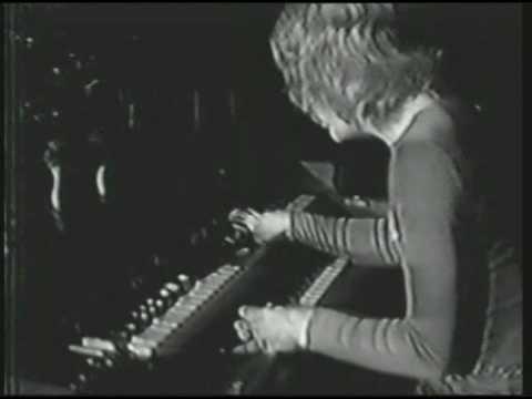 Organ Solo / Chest Fever (8/1/70) - Three Dog Night