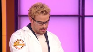 Watch Kellan Lutz Make 'Elephant Toothpaste'