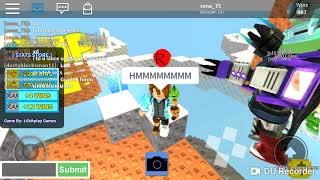 Roblox Skywars Hallowen pack vs Christmas pack