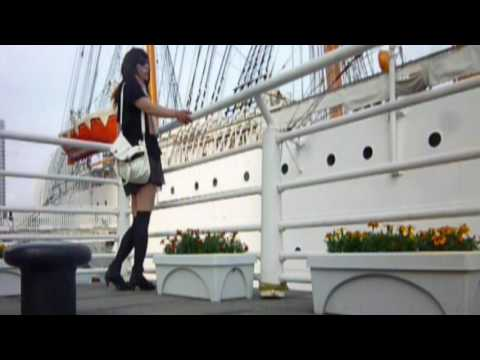 帆船・ミニスカート・風  Sailboat, miniskirt, wind and virgin