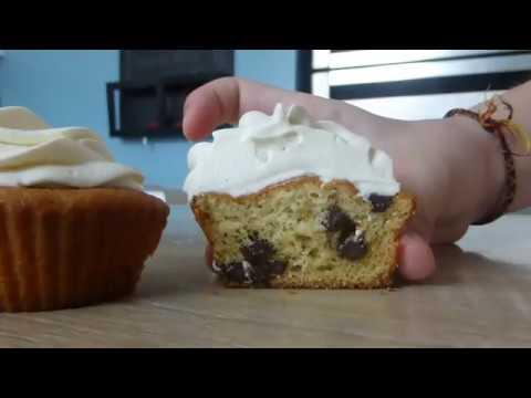 recette-cupcakes-a-la-vanille-et-au-pépite-de-chocolat-🧁(facile)