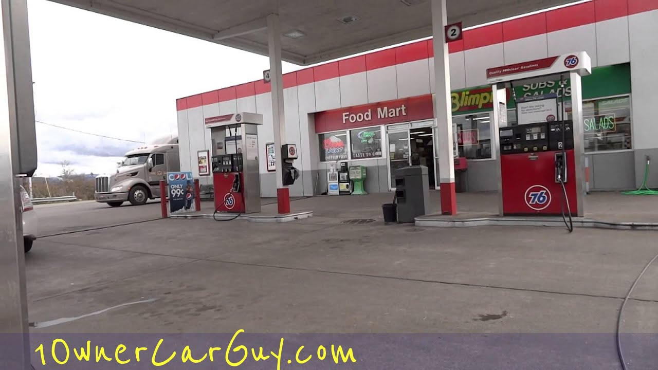 Local Gas Stations >> Funny Gas Attendant Oregon Gas Station Local Interaction Attendant Pumping Fuel I - YouTube
