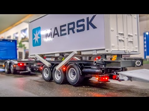 RC Container Truck & Trailer in incredible 1/32 scale!