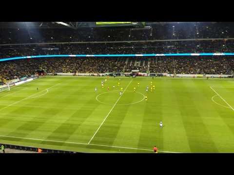 Fantastisk atmosfär dom sista minuterna på Friends Arena VM play-off Sverige-Italien 10. nov. 2017
