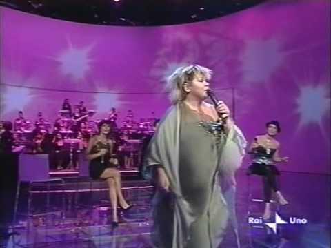 Linda Valori - Let it be (reggae style)