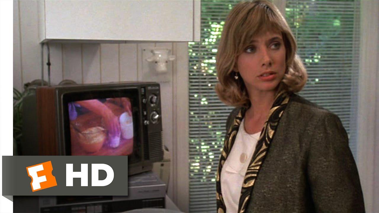 Desperately Seeking Susan (3/12) Movie CLIP - Jimi Hendrix's Jacket (1985)  HD - YouTube