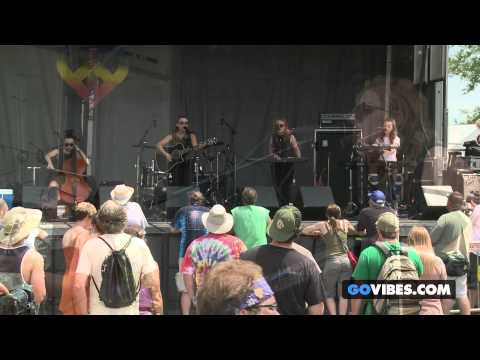 "von Grey performs ""Dirt"" at Gathering of the Vibes Music Festival 2013"
