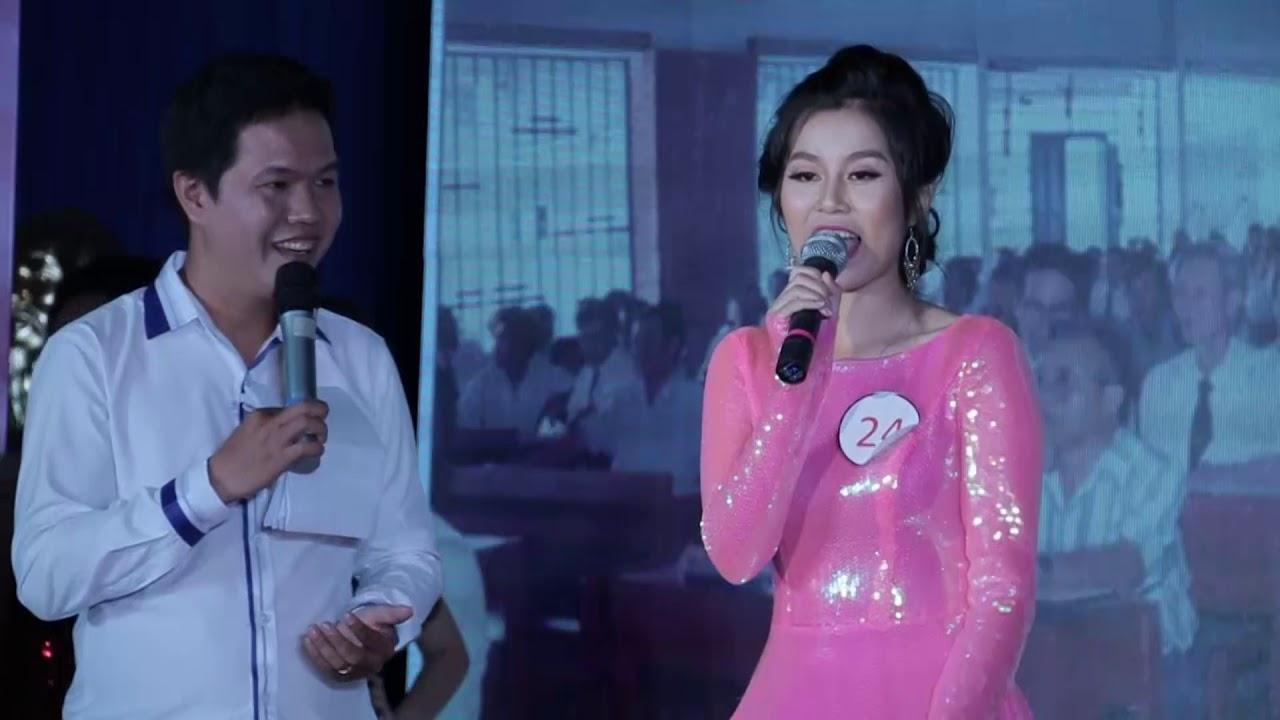 Thí sinh Dương Ngọc Anh ứng xử   Chung kết Duyên dáng nữ sinh   2017.10.28.(18)