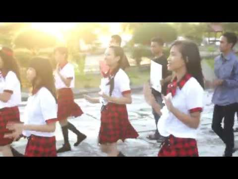 JKT48 - Kokoro no placard ( Papan Penanda Isi Hati ) FlashMob by Family48Majene