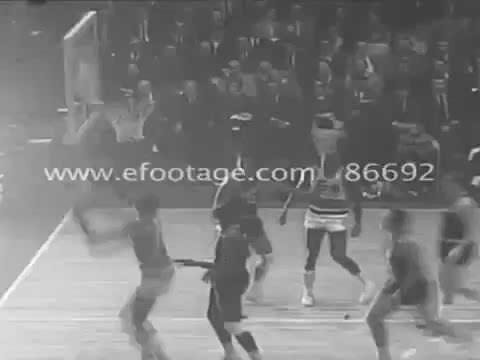1966: Prime Wilt Chamberlain vs The Supremes