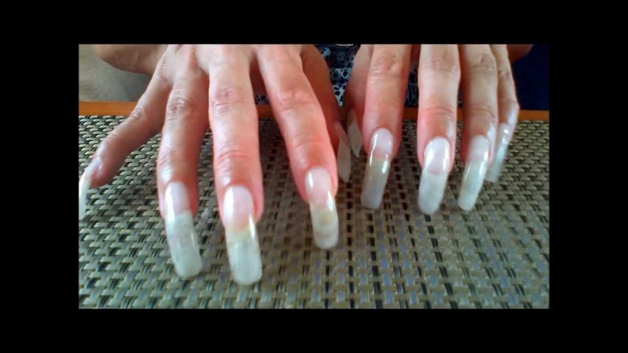 long natural nails scratching - YouTube