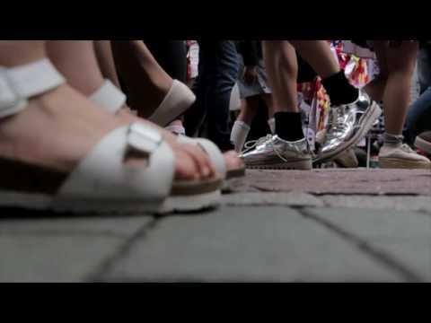 Timelapse Walking Crowd