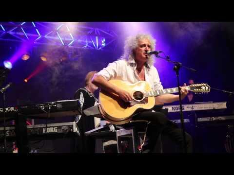 Starmus Festival 2014: Brian May singing 39