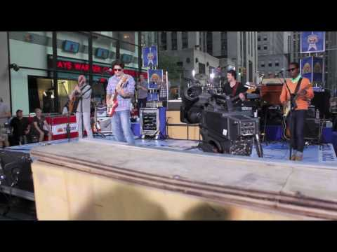 John Mayer-Live Soundcheck- Waiting On The World To Change- Today Show 7/23/10