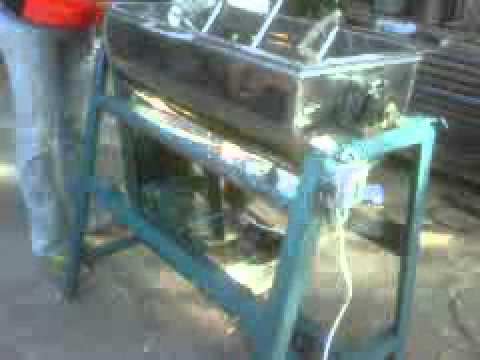 Mesin mixer pengaduk adonan roti,adonan makanan - YouTube
