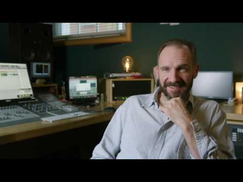 """The LEGO Batman Movie: Ralph Fiennes """"Alfred Pennyworth"""" Behind the Scenes Interview"""