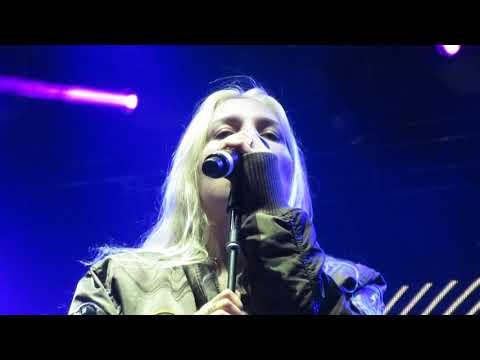 """Skylar Grey - """"Come Up For Air"""" (Live In Boston)"""