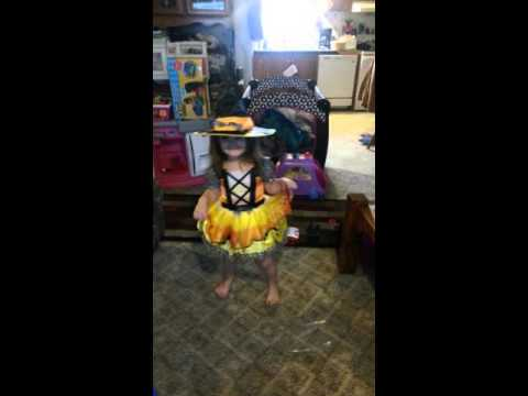 Blind Melon-No Rain- Bee Girl Dance