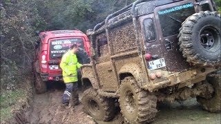 Download LAND ROVER DEFENDER TDI vs LAND ROVER DISCOVERY TD5   **OFF-ROAD CHALLENGE** Mp3 and Videos
