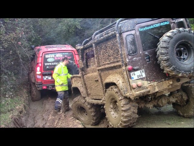 LAND ROVER DEFENDER TDI vs LAND ROVER DISCOVERY TD5