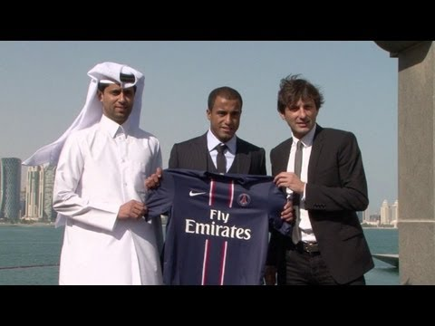 Lucas é apresentado oficialmente no PSG