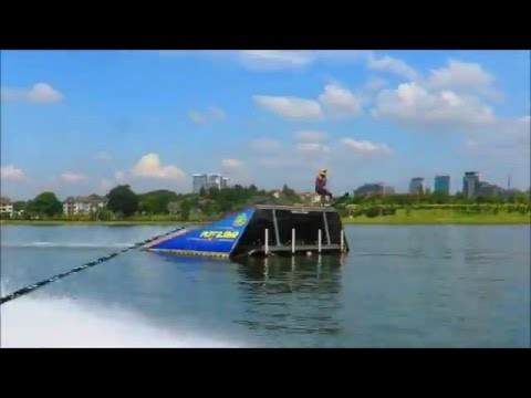 Waterski jump: Alex Yoong jumps new season's first 3/4 cut lands 34m