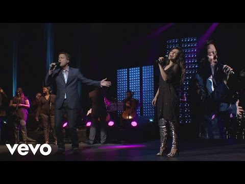 Aline Barros - Bem Mais Que Tudo (Above All) ft. Michael W. Smith