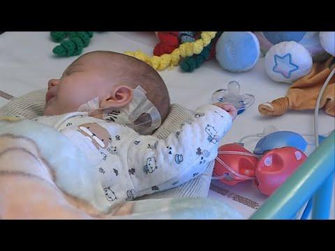 """L'appel des parents d'Antoine, ils cherchent """"un nouveau coeur"""" pour leur bébé"""