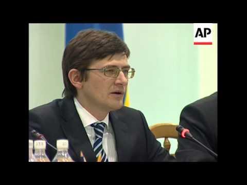 Yushchenko and Tymoshenko head for run-off vote