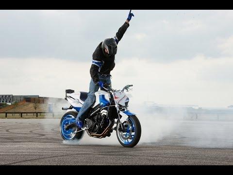 невероятные трюки на мотоциклах часть 1/the best stunts on motorbikes - Смотреть видео без ограничений