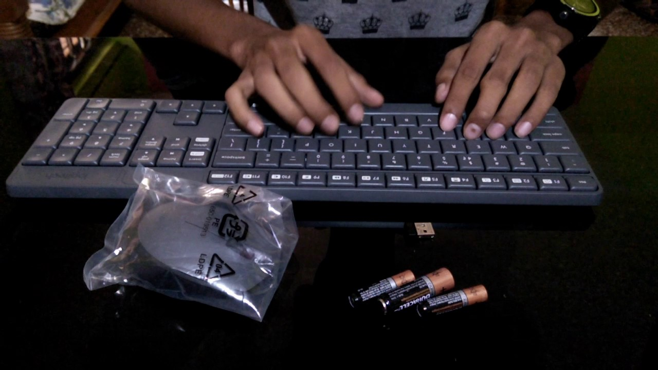 UnBoxing Logitech MK235 Wireless Keyboard and Mouse combo - YouTube