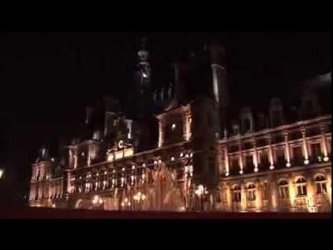 Paris, France | Extras.
