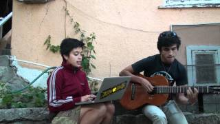 Lazzuly sings Caetano Veloso's Sampa, Aylan plays the guitar