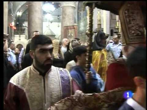 Armenian & Greek Orthodox Monks Fight Jerusalem Holy Sepulcher