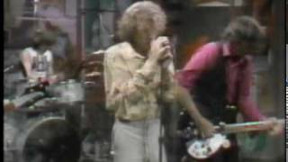 REM perform Radio Free Europe on David Letterman. REM's first ever ...
