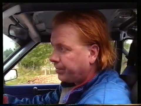 Heikki Silvennoinen ajamassa rallia