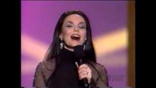 CRYSTAL GAYLE - 45 - GOTTA LITTLE HEARTACHE - 1996