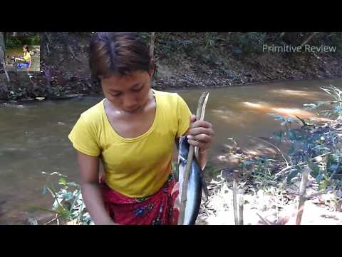 Primitive Technology - Cooking Big Cat Fish By Girl At River - Grilled Fish Eating Delicious.