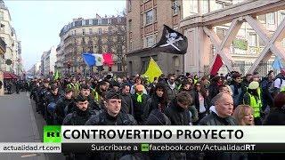 Los 'chalecos amarillos' marchan contra políticas de Macron en la 63.ª semana de manifestaciones