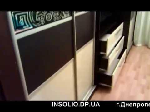 шкаф купе с телевизором и туалетный столик