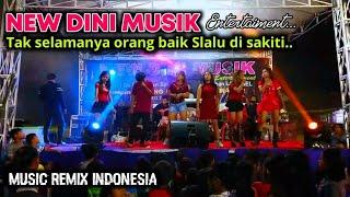 NEW DINI MUSIK play in Lapangan Sukaratu