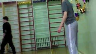 На уроке физкультуры)))0