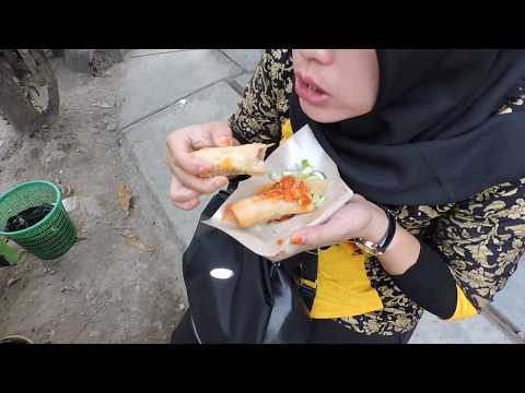 Indonesia Tegal Street Food : Dahsyatnya Lumpia Vs Sempolan Mbah Harti Serayu Kota Tegal