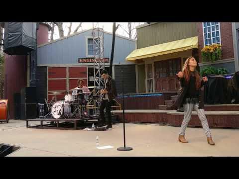 Lauren Daigle - Trust In You - 2017 Young Christians Weekend