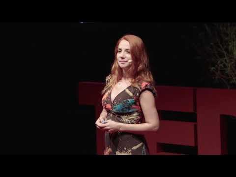 Müzikle Kalmak İçin Zorunlu Göç | Aylin Aslım | TEDxKAS