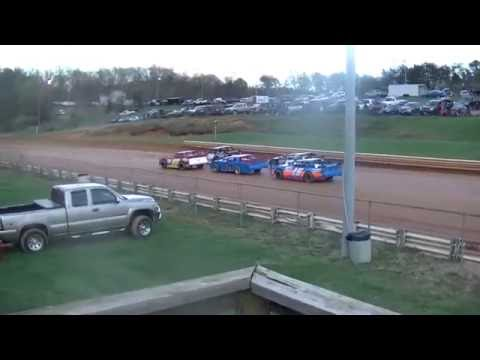 April 2, 2016 Natural Bridge Speedway Street Stock Race
