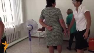 Новый случай обморока в Березовке(Репортер Азаттыка стал свидетелем того, как сегодня в школе села Березовка потеряла сознание ученица 6-го..., 2015-09-18T15:52:10.000Z)